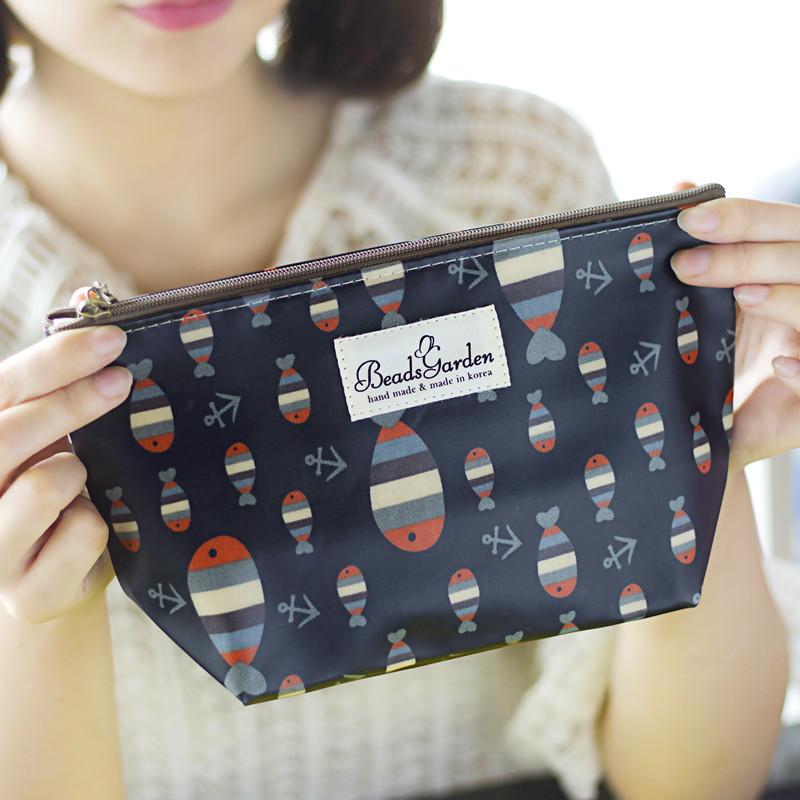 包郵韓國進口正品防水可愛小魚化妝包袋收納包洗漱包手拿便攜包