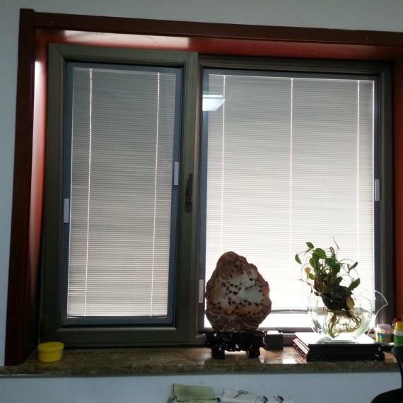 重庆断桥铝门窗封阳台内置中百叶铝合金门窗铝包木隔音窗户阳光房