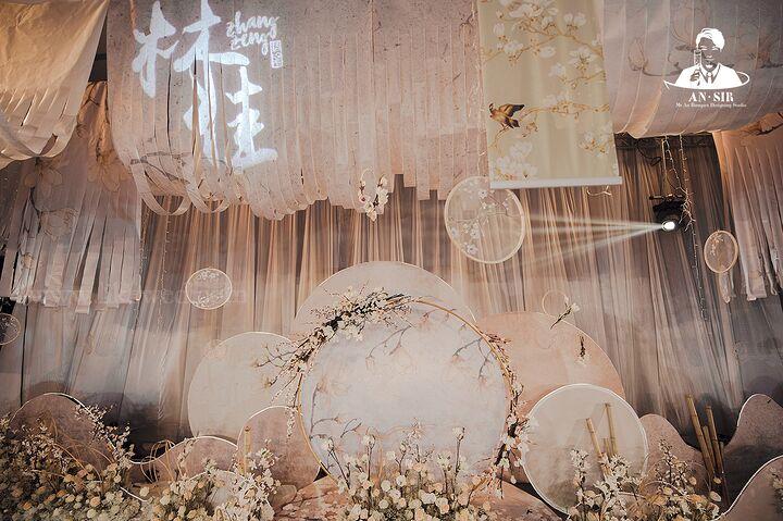 新款中式婚庆道具古典古风水墨画卷轴挂轴悬挂吊顶江南风山水国画