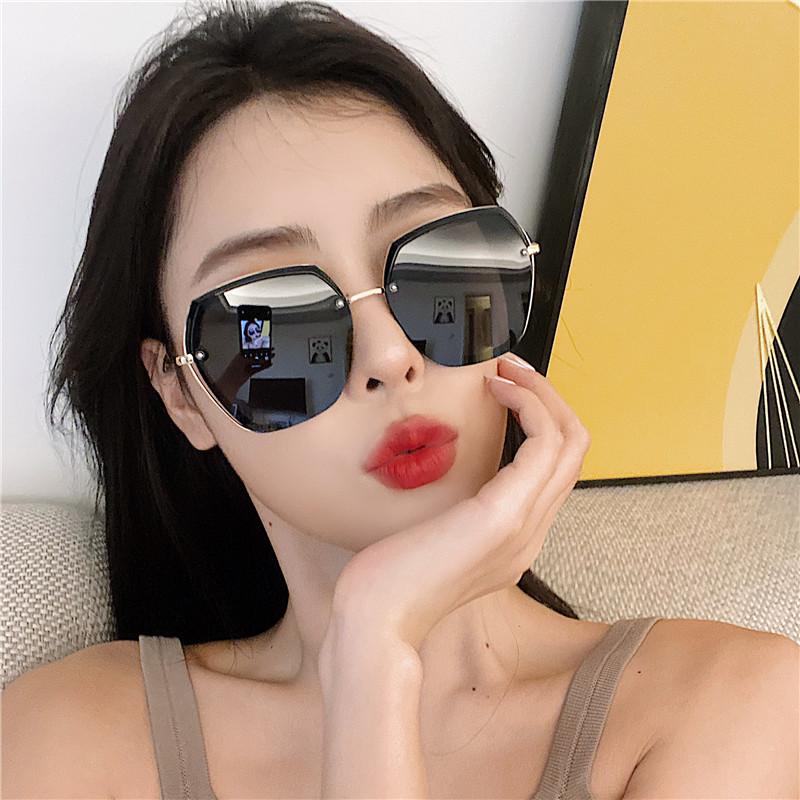太阳镜女2021新款大脸显瘦偏光网红同款墨镜ins黑色韩版