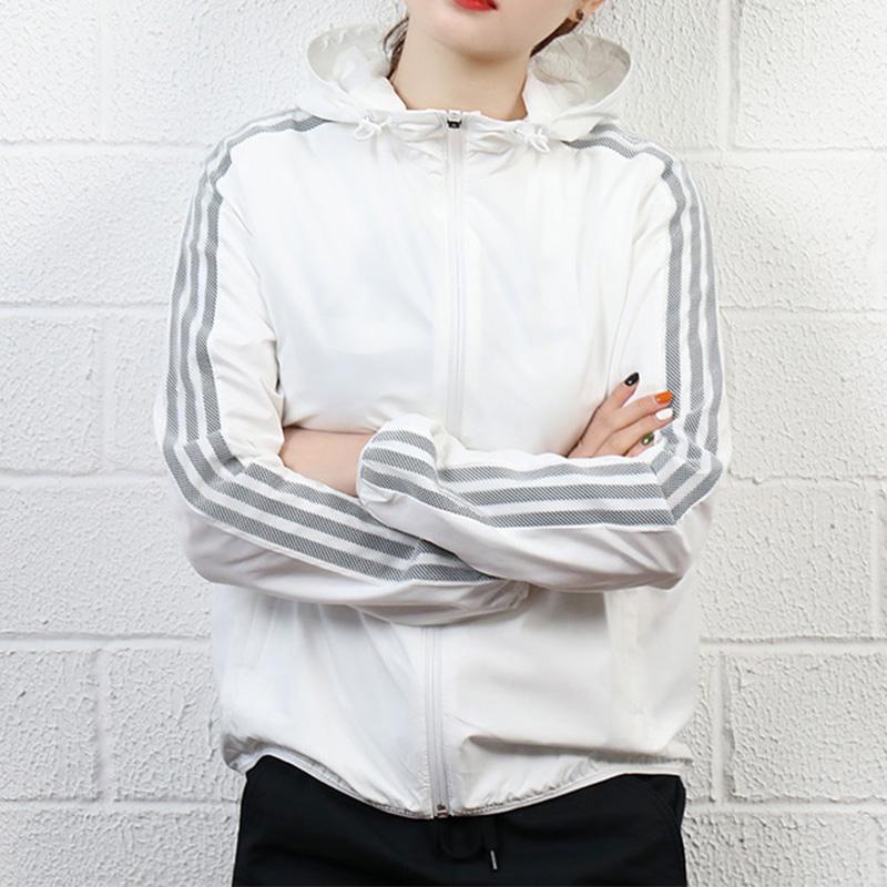 adidas阿迪達斯女裝外套跑步運動休閒防風上衣連帽梭織夾克CX5193