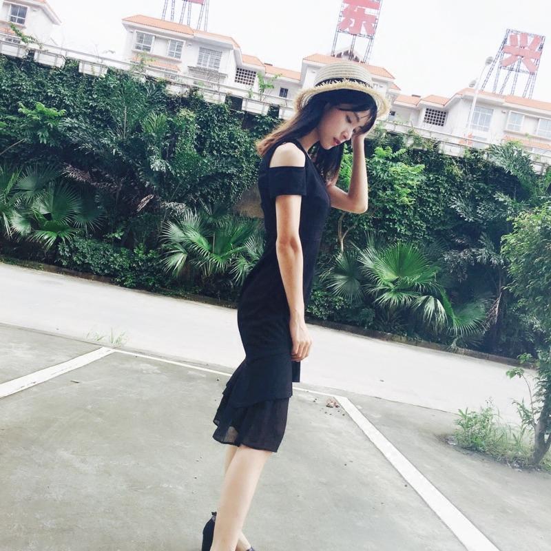 法国小众连衣裙性感显瘦韩版露肩气质仙女修身夏季鱼尾裙小黑裙子