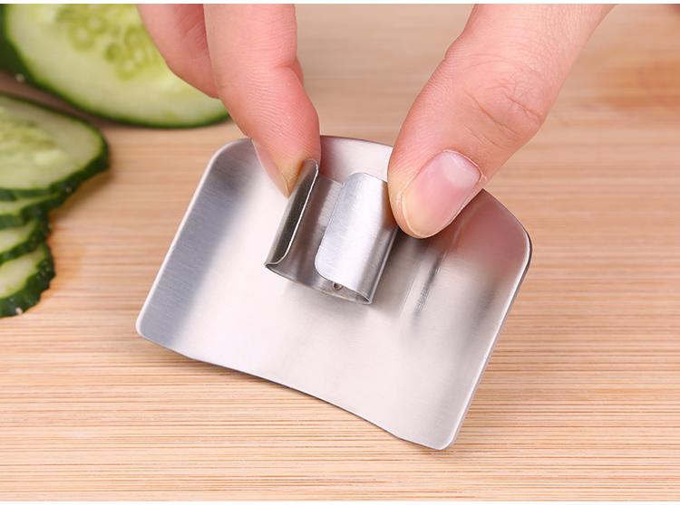 304不锈钢护指器手指卫士切菜防切手护手器手指保护器厨房小工具