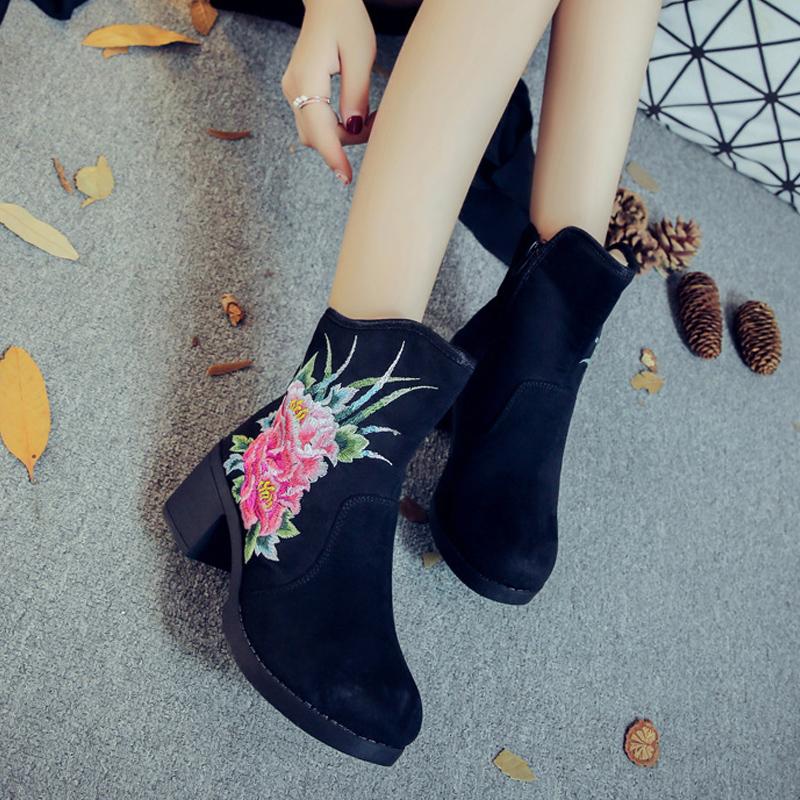 马丁靴新款高跟皮绒布老北京布鞋民族风绣花靴子时尚女靴单靴女鞋