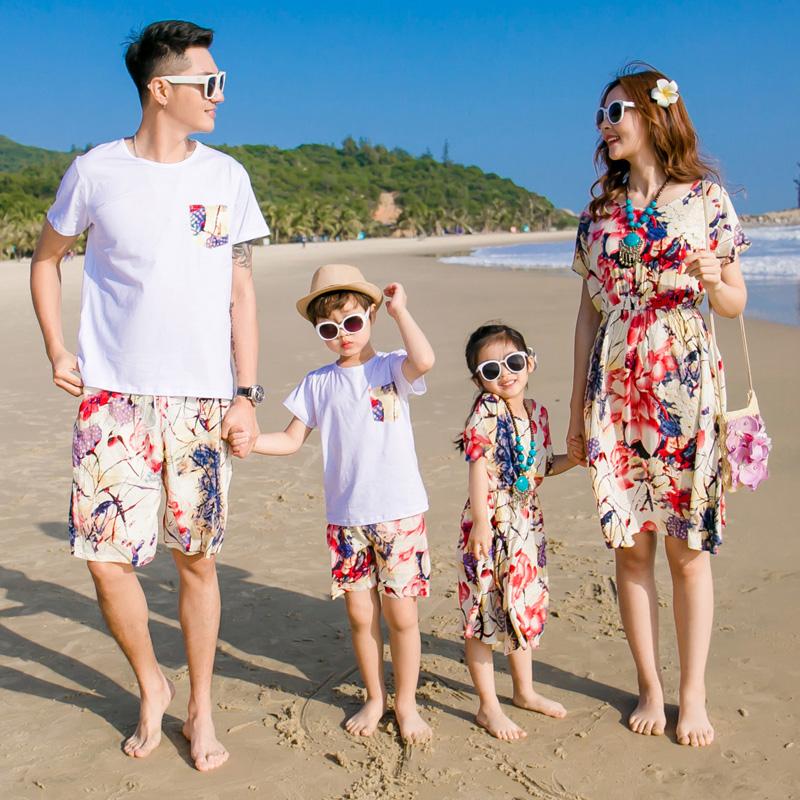 海边亲子装夏装2019新款母女沙滩裙父子纯棉套装一家三口四口度假