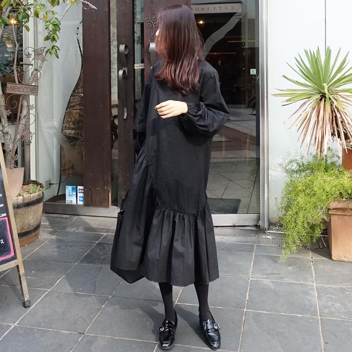 春秋新款黑色不规则中长款连衣裙中长裙女士宽松显瘦灯笼