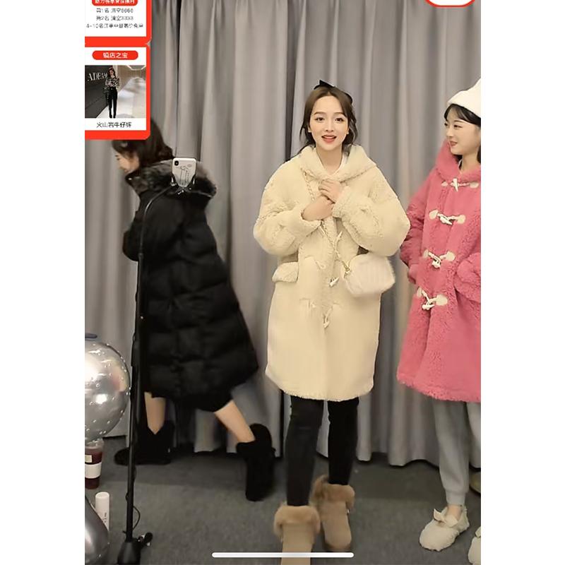 林珊珊小熊维尼温暖治愈系牛角扣连帽毛呢外套中长款大衣女秋冬新