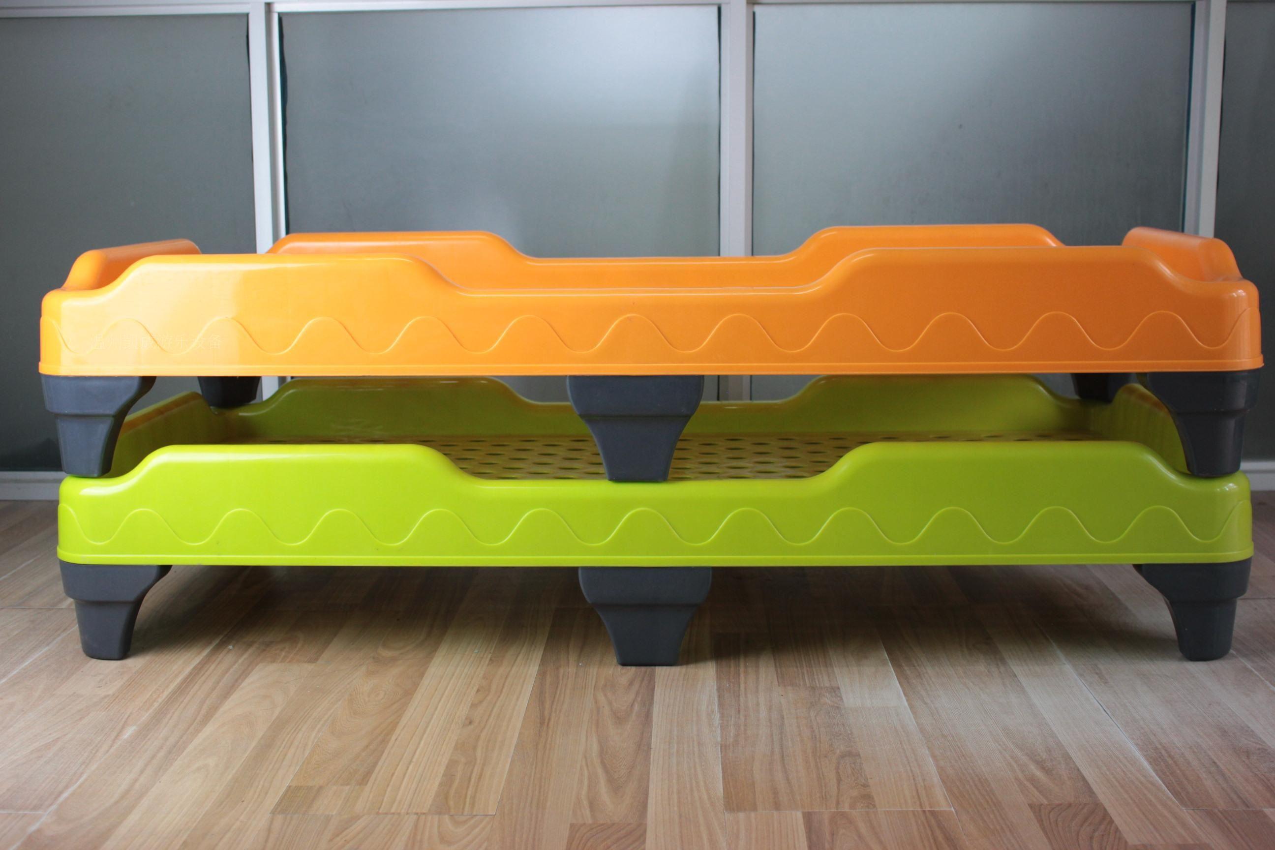 新款塑料床儿童午睡床幼儿园专用床叠叠床午休床单人床注塑一体