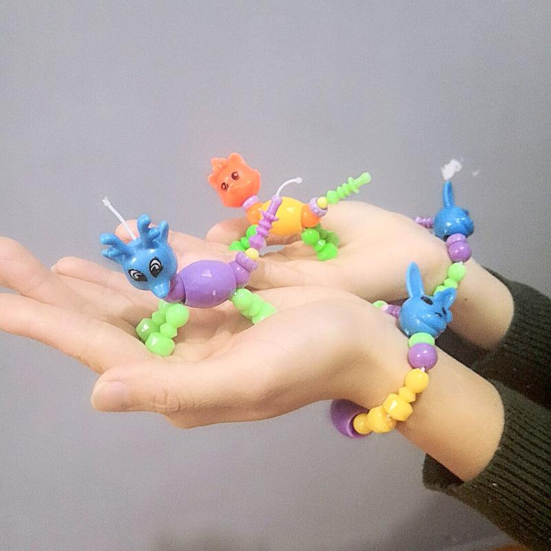微商地摊小礼品儿童手抛泡沫飞机精灵手链生日回礼卡通发光手环