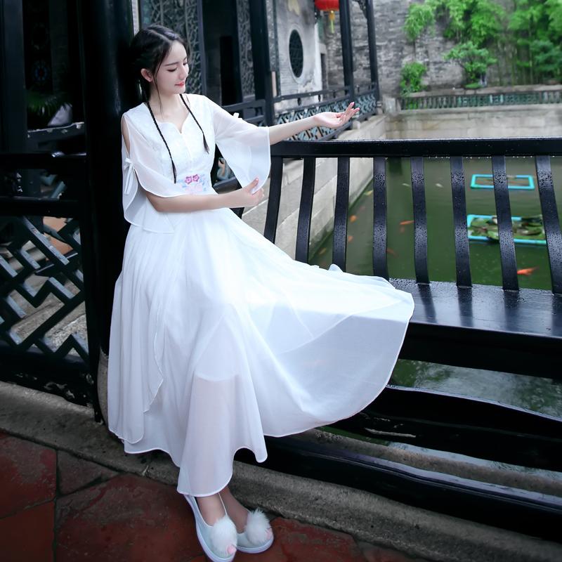 曼轻罗国风复古文艺蕾丝绣花荷叶袖公主中长款显瘦仙女大摆连衣裙