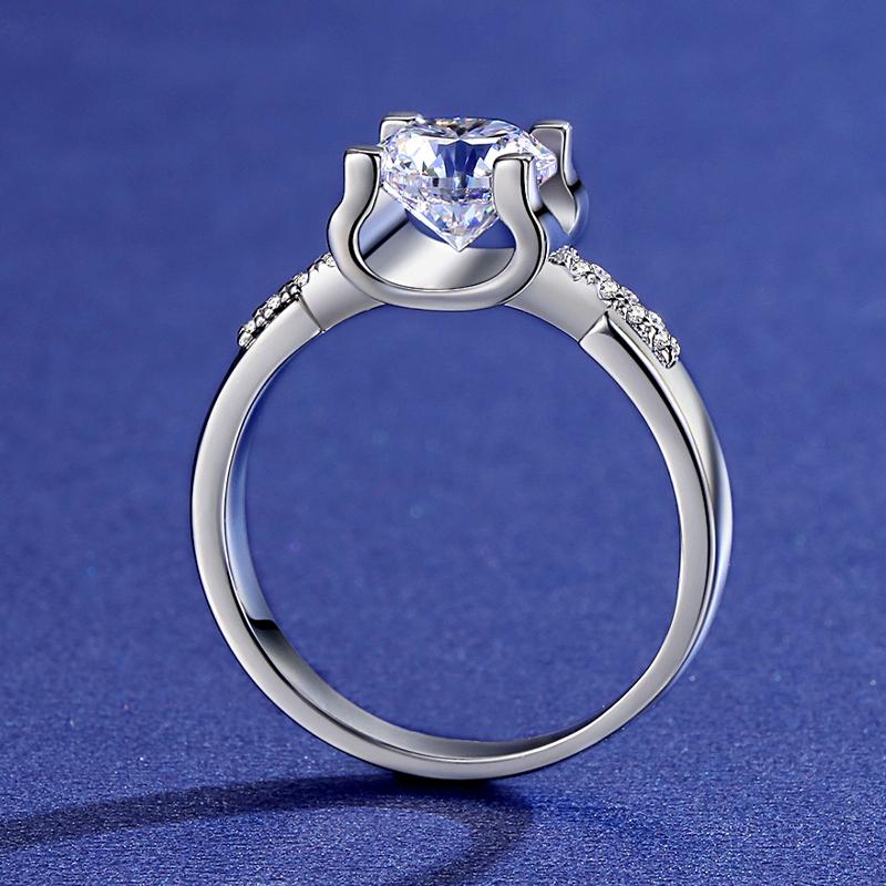 金铂金美国进口莫桑钻石简约轻奢微镶四爪牛头钻戒戒指送女友 18K