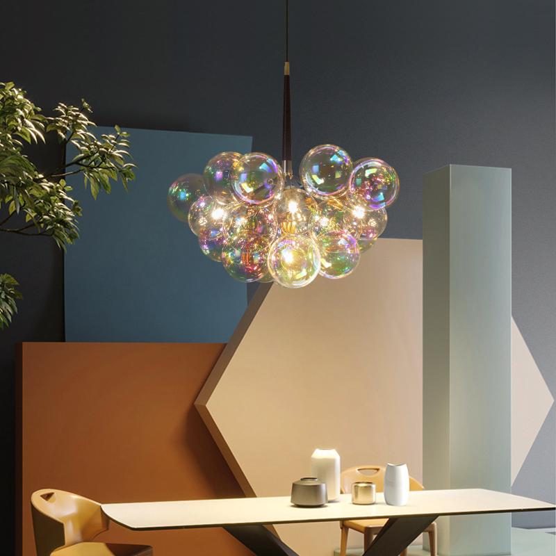 客厅餐厅北欧后现代吊灯卧室儿童房网红七彩玻璃泡泡球服装店灯具