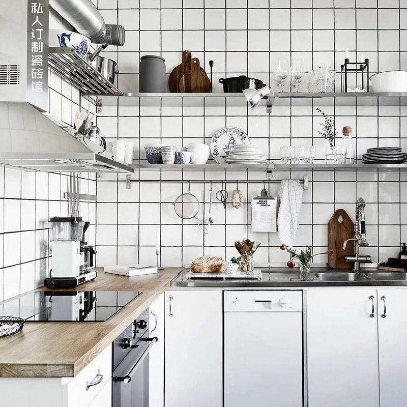 佛山小白砖北欧卫生间厨房墙砖300x600白色格子砖面包砖网红瓷砖