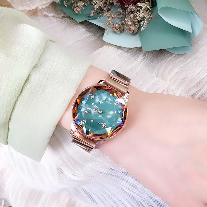 潮流时尚大气简约星空手表女吸铁个姓立体闪耀钻镜面防水石英腕表