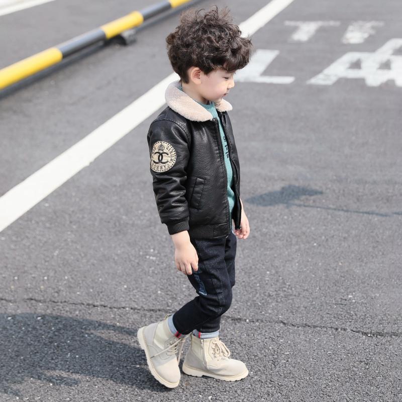 新款韩版宝宝皮衣秋冬儿童加绒夹克洋气 2018 童装男童冬装加厚外套