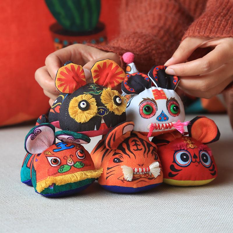 自然造物五虎临门原创特色手工艺布老虎玩偶饰品挂件创意礼盒栅售