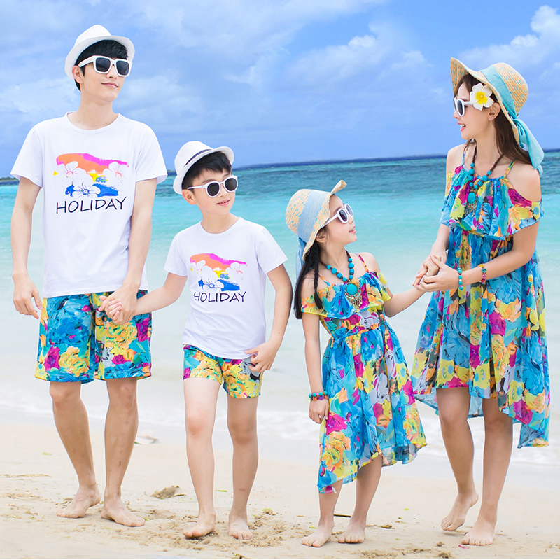 沙滩亲子装夏装2019新款套装一家三口四口全家装海边母女装洋气