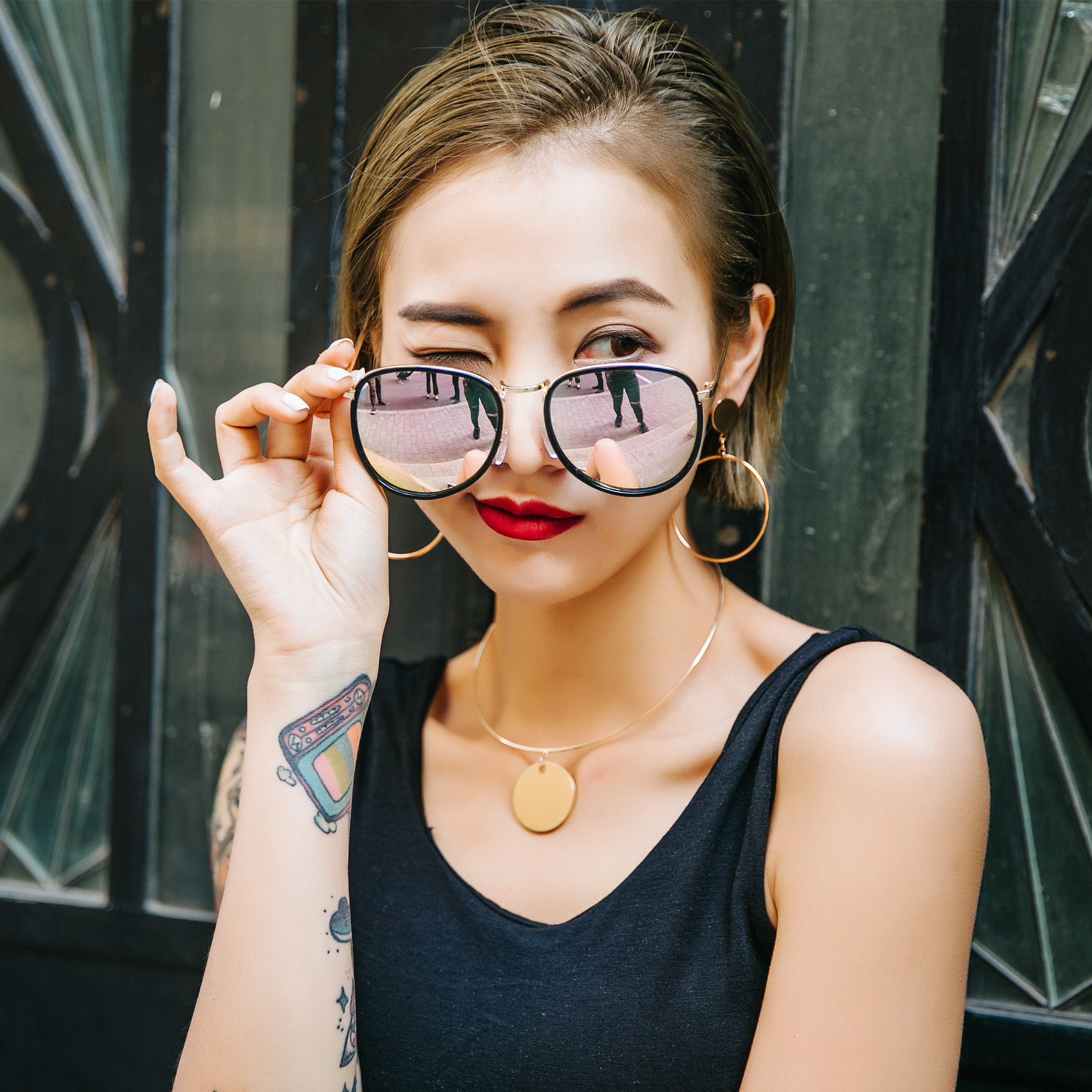 e53a895da13 Buy Large round frame sunglasses female tide 2016 korean version of the  upscale polariscope round sunglasses for men and women face garde  personality eyes ...