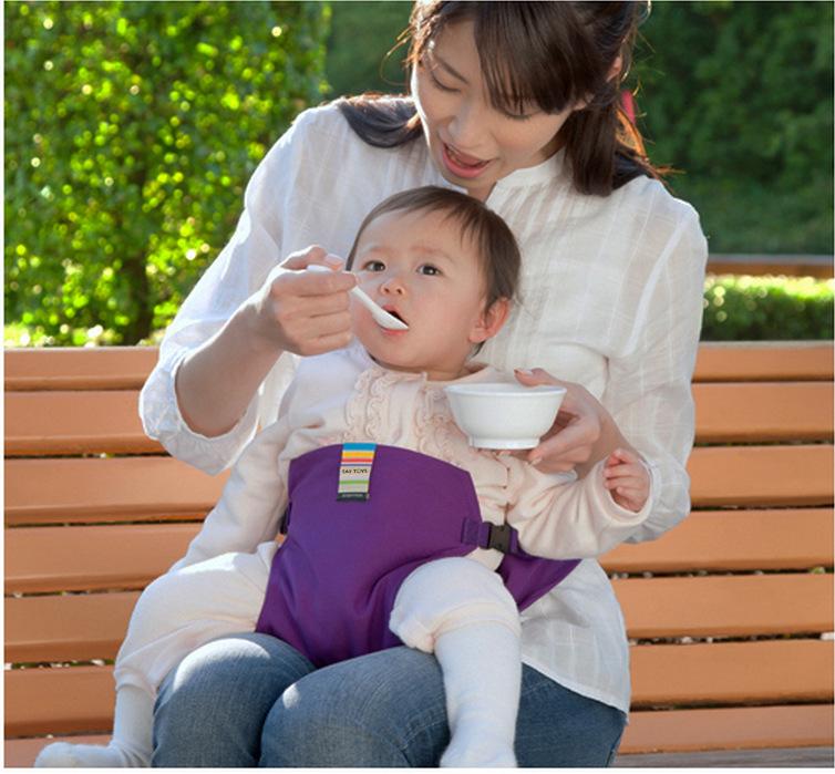 日本婴儿就餐安全带便携式宝宝吃饭绑腰带儿童出行餐椅固定带现货