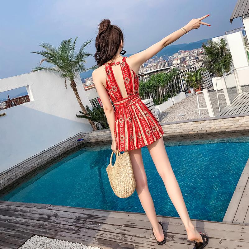 泳衣女大码胖mm2019新款保守连体遮肚显瘦裙式性感韩国红色游泳衣