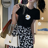 Cotton T-shirt + Little Daisy Daisy rouje floral dress skirts HyunA wind ins