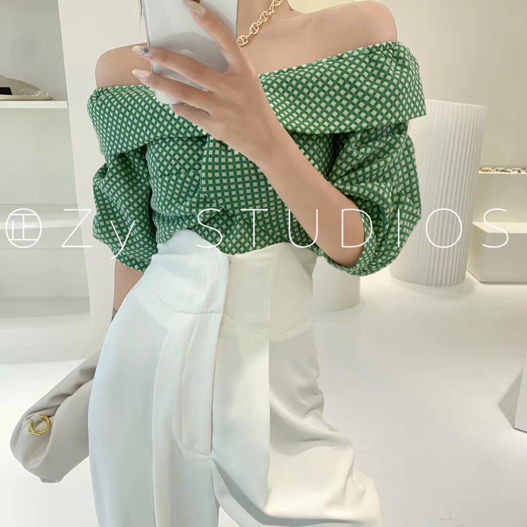 Zy2020夏季新款法式气质露肩复古格子短款衬衫女一字肩不规则上衣