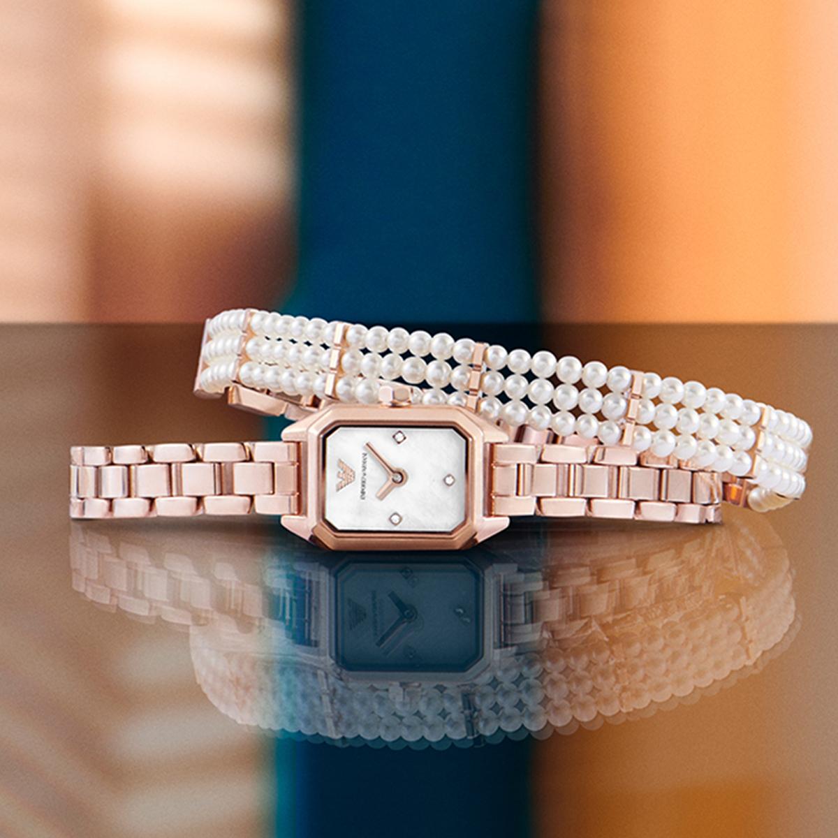 Armani阿玛尼礼盒套装玫瑰金小方表 小巧精致珍珠方形女表AR11323