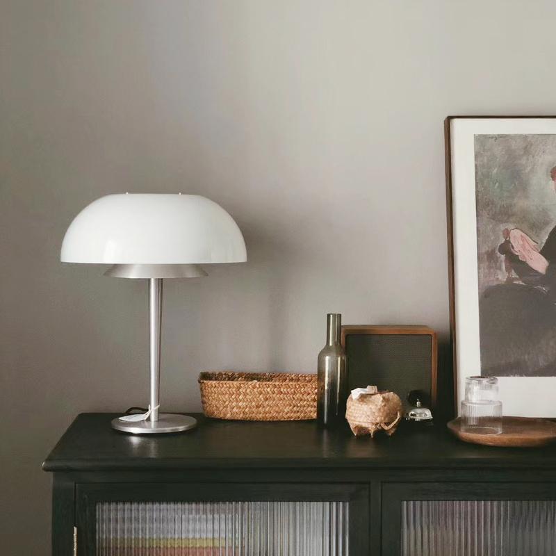 北欧复古设计卧室灯客厅灯床头灯简约现代玻璃灯 水母台灯 淡光