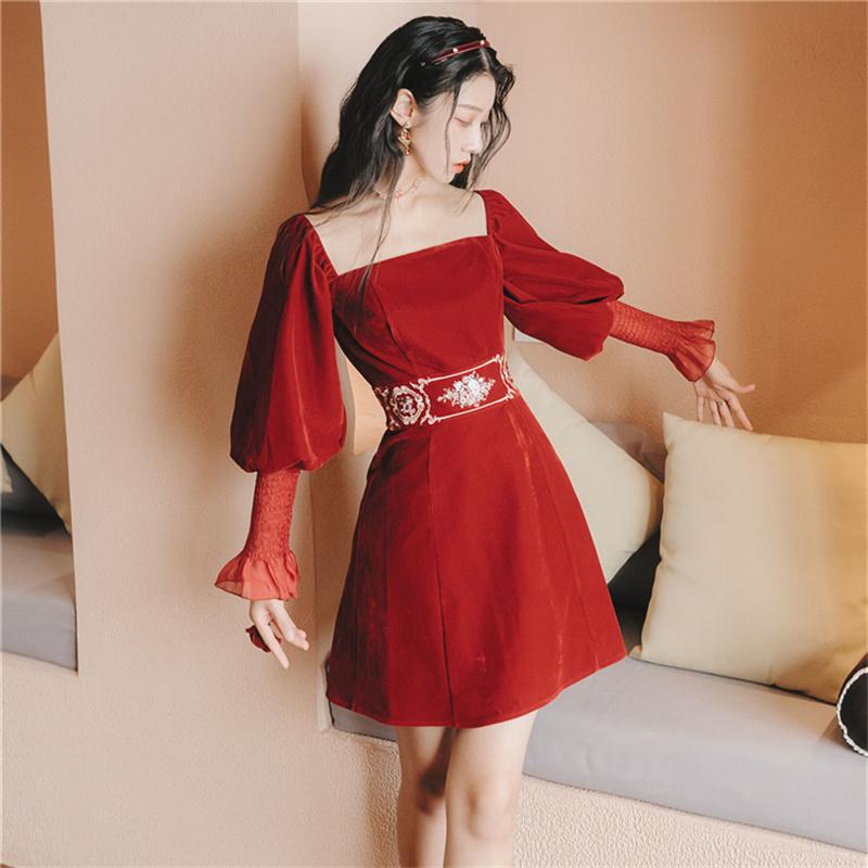 衣裙收腰显瘦气质裙子