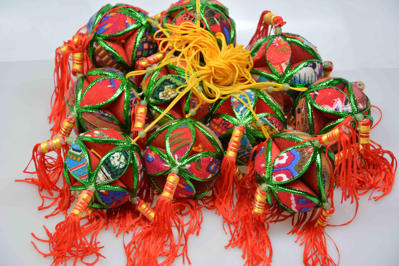 广西壮族 民族手工绣球厂 象征吉祥、友谊、爱情 8CM 6CM 12CM