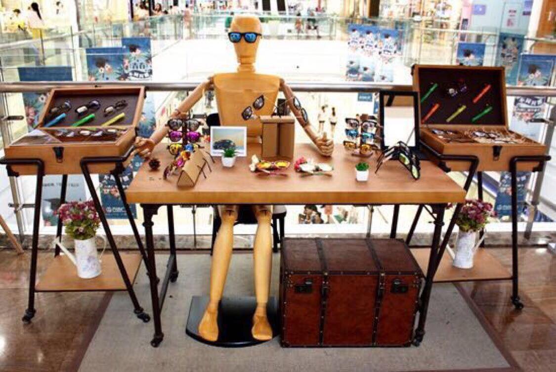 关节活动造型木偶素描木制男全身模特眼镜店橱窗展示木人模特道具
