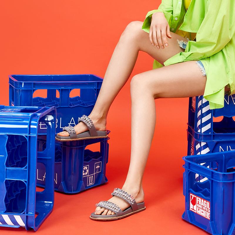 B20332110WX 夏季新款舒适厚底女外穿沙滩凉拖鞋子 2020 千百度伊伴
