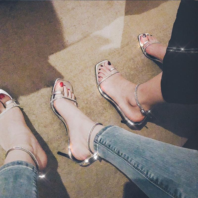 新款夏季方头水钻凉鞋细跟百搭一字带扣夹脚中高跟银色学生凉鞋女