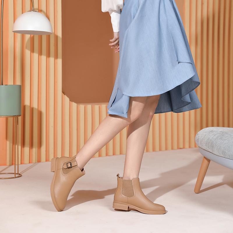 骆驼女鞋 2019冬季新款舒适防滑真皮短筒靴女简约通勤休闲短靴女
