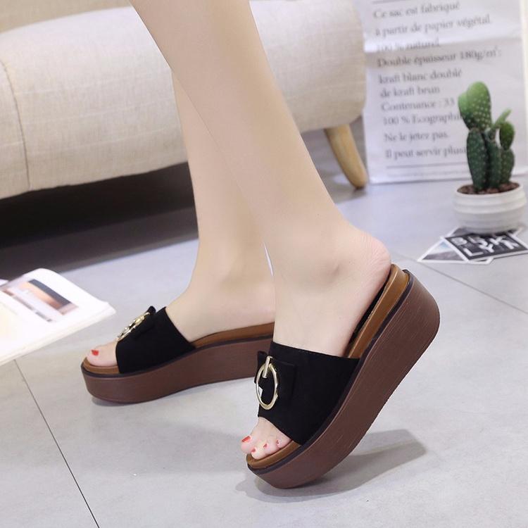 韩版夏季外穿厚底拖鞋女中跟一字拖防滑松糕防水台圆扣沙滩女凉鞋