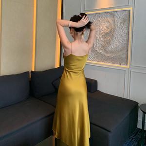 复古缎面连衣裙女性感春2019chic打底吊带内搭裙法式流行气质长裙