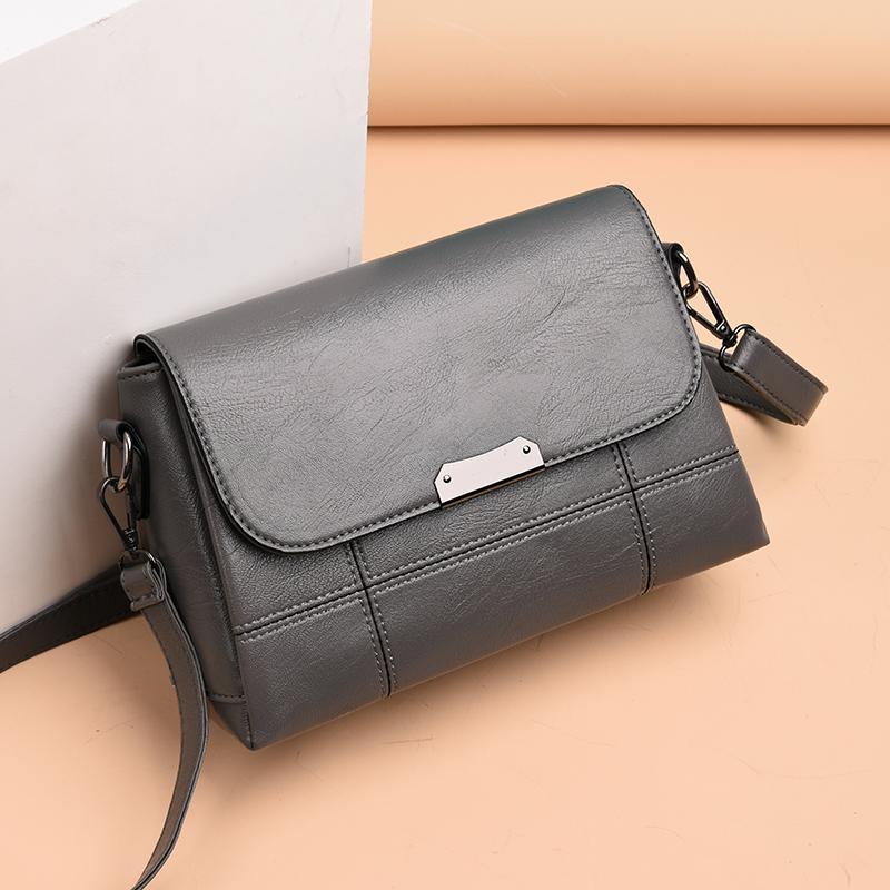 新款包包女士简约大容量单肩包斜挎包小包 2019 中年女包妈妈包