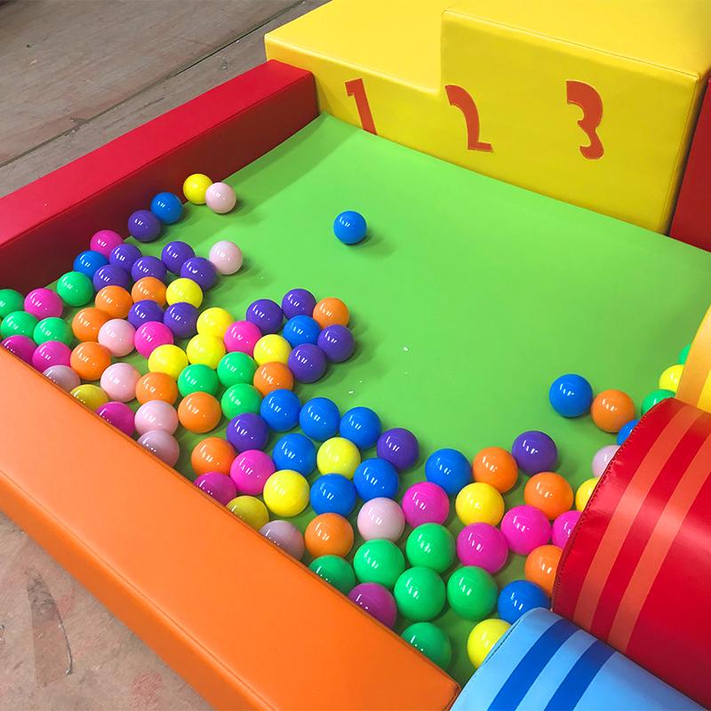 新品蜡笔球池幼儿园早教大厅玩具软包软体滑梯爬滑体能组合积木池