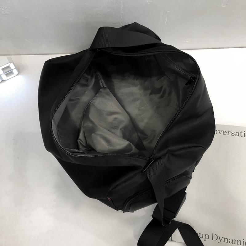 韩版简约大容量运动情侣健身包带鞋位尼龙单肩斜挎包短途旅行包女
