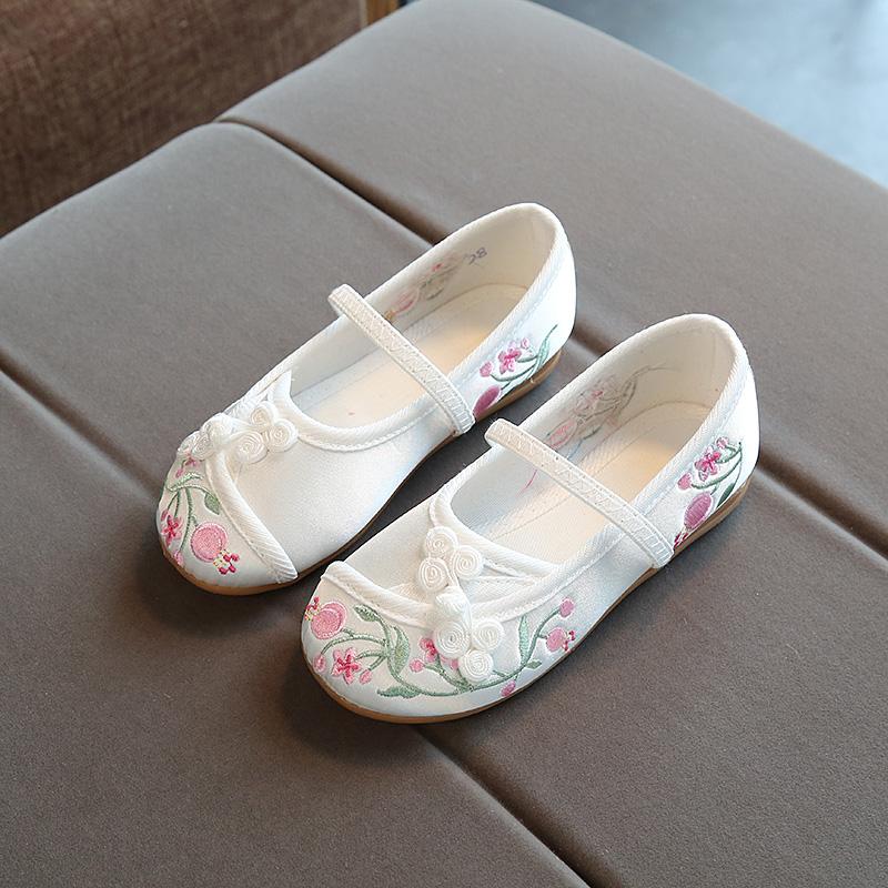 老北京儿童布鞋女童绣花鞋民族风汉服学生公主鞋六一表演出舞蹈鞋
