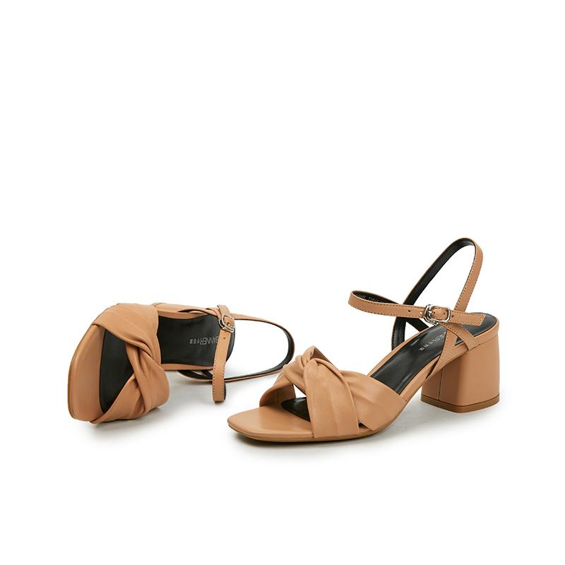 A9392918WX 夏季新品羊皮方头高跟鞋褶皱条带女凉鞋 2019 千百度女鞋