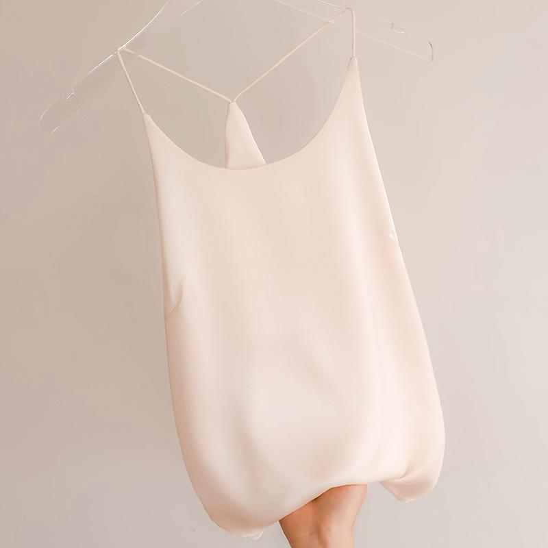 白色吊带女桑蚕丝西装内搭真丝上衣宽松缎面美背性感外穿