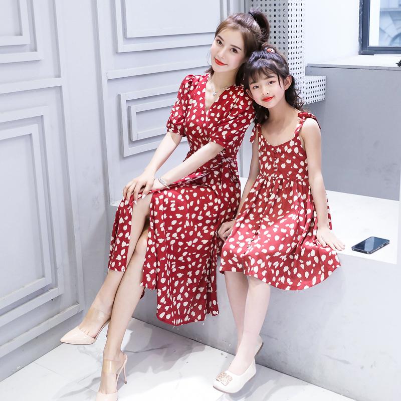 网红小雏菊母女装连衣裙夏季 新款亲子装洋气沙滩裙公主裙夏装  2020