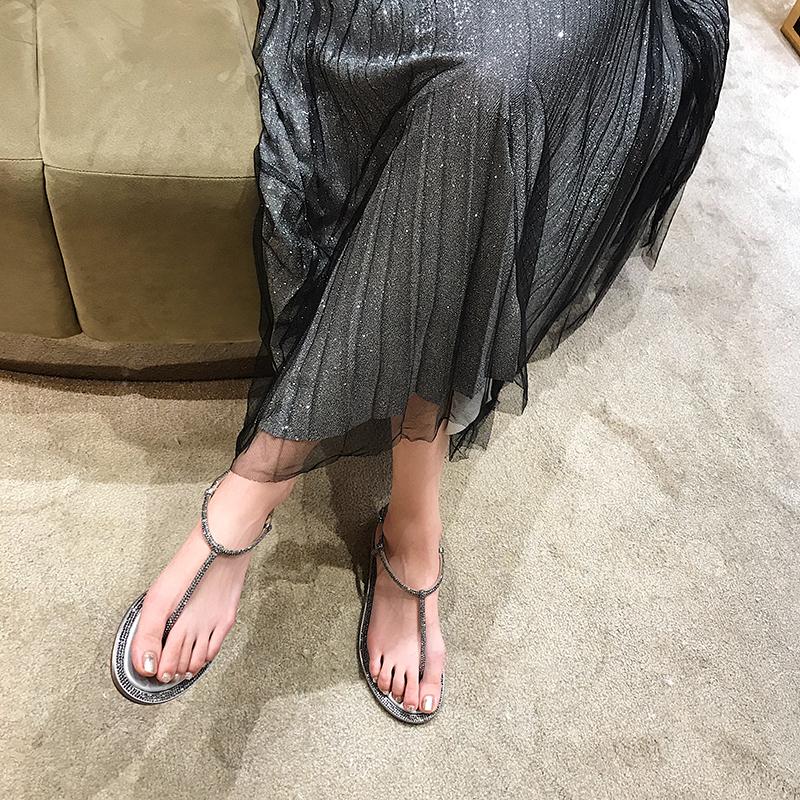 潮 ins 带夹趾人字一字带扣网红 T 新款夏季凉鞋女仙女风平底水钻 2019