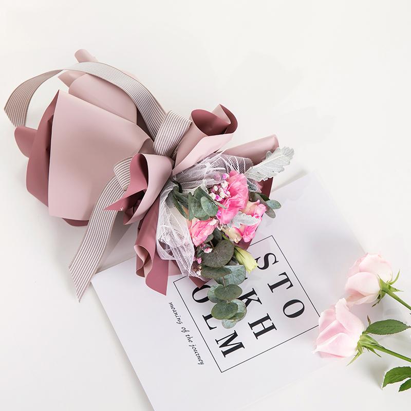 情人节新品鲜花玫瑰花包装纸防水双色欧雅纸双美系花店材