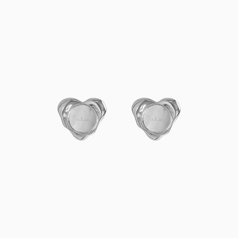 年新款潮简约爱心耳钉女高级感小巧耳针时尚气质耳饰 耳环  KVK 2021