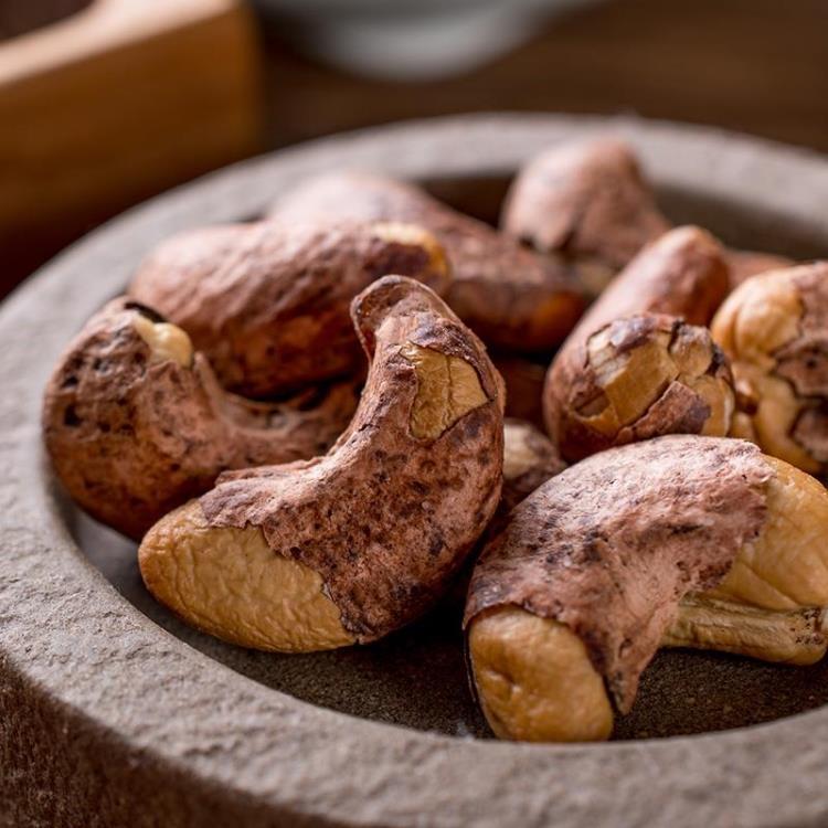 新货越南带皮腰果原味500g分2罐装炭烧盐焗坚果零食小吃包邮