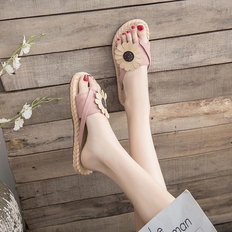 新款凉拖鞋夏季韩版花朵人字拖平底沙滩鞋海边女鞋 2019 拖鞋女外穿
