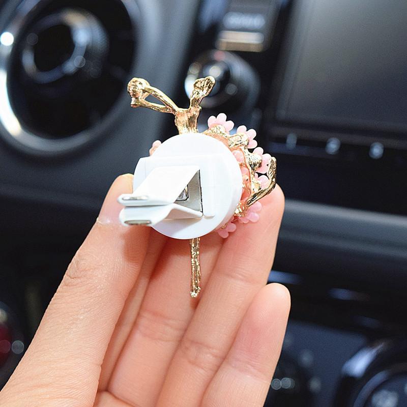 高档新品水晶水钻芭蕾舞女汽车出风口女士车内空调出风口装饰品