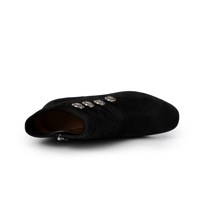 A8547569 千百度女鞋冬新商场同款军旅风粗跟靴子时尚高跟短靴